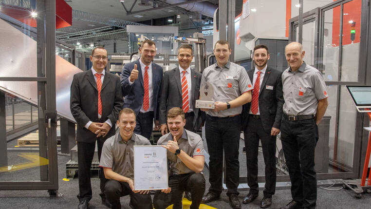 At the EuroBLECH 2018 the Bending Cell received the MM Award in the automation and handling category.